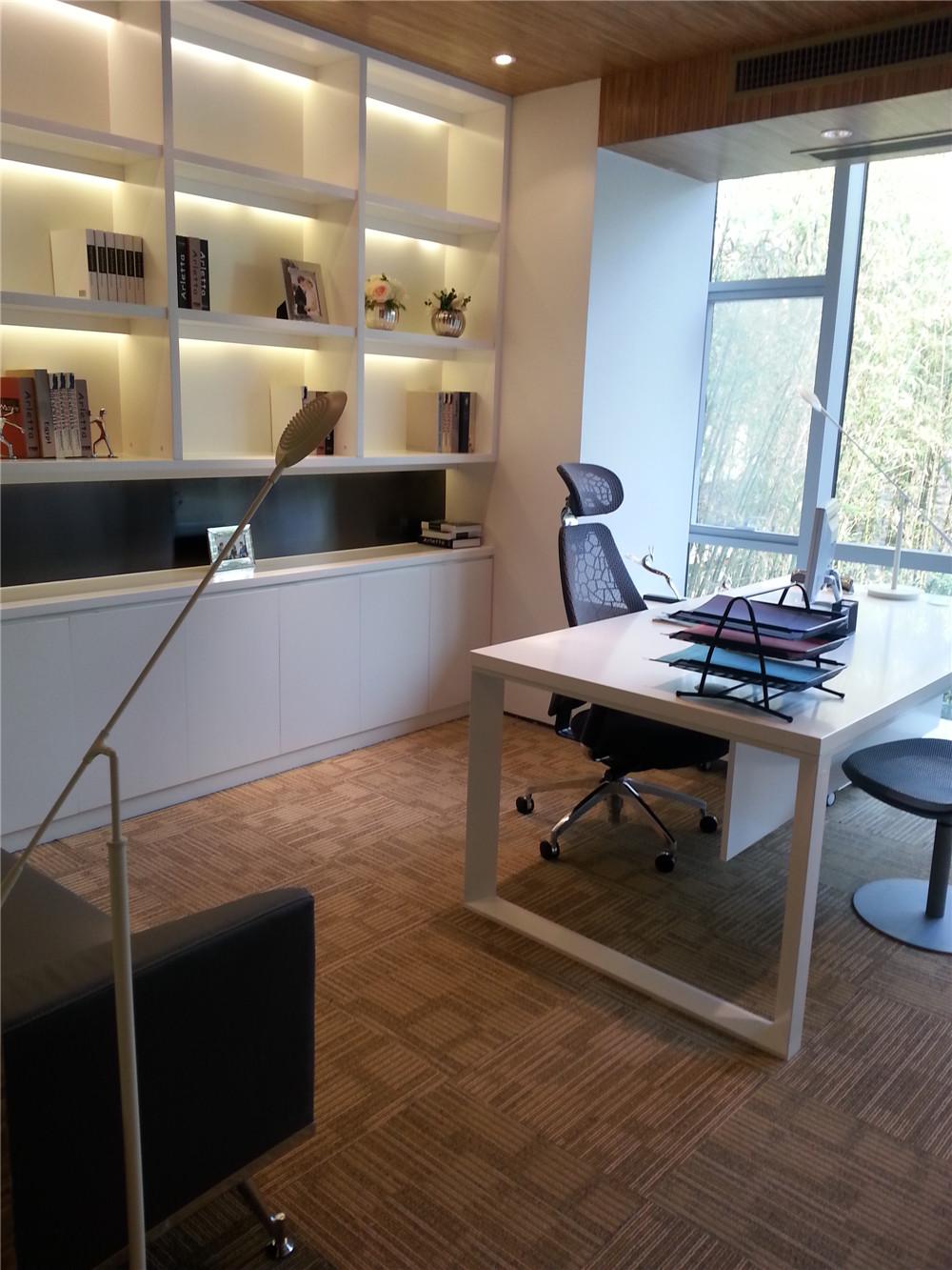 挑高书房的设计与搭配